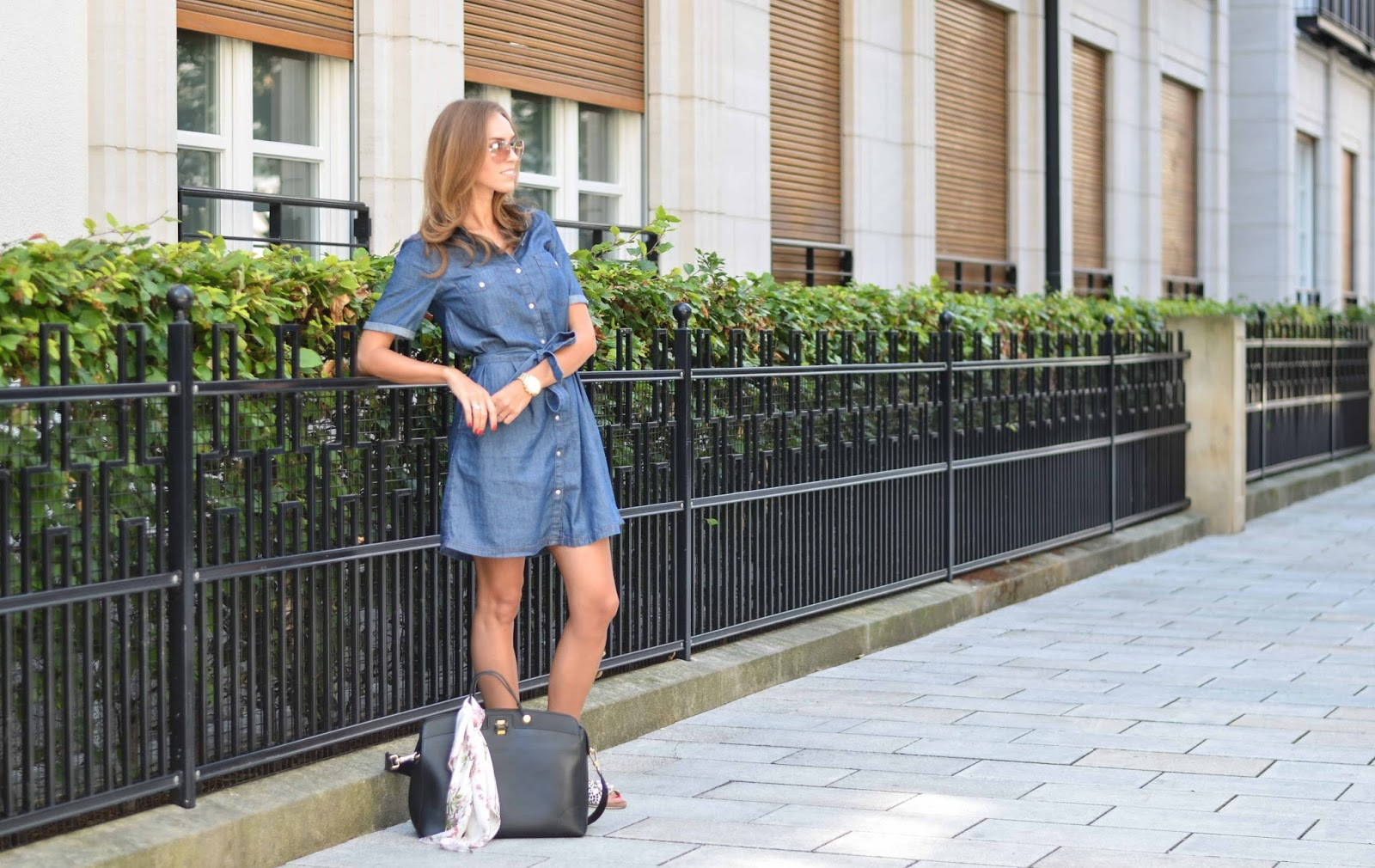 kristjaana mere blue denim dress summer outfit munich street style