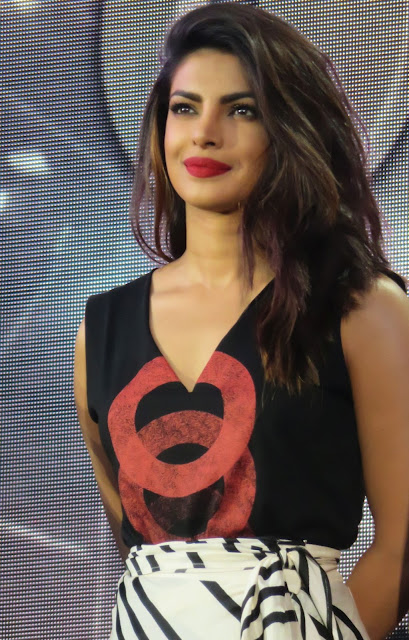 Priyanka Chopra Looks Gorgeous As She Speaks Onstage at Global Citizen Festival 2016 at Central Park in New York City
