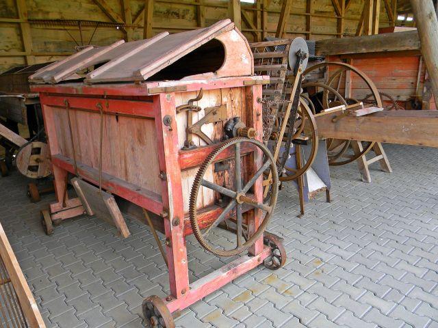 drewniane maszyny, skansen, muzeum, rolnictwo