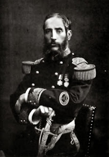 Imagen derecha: Andrés A. Cáceres