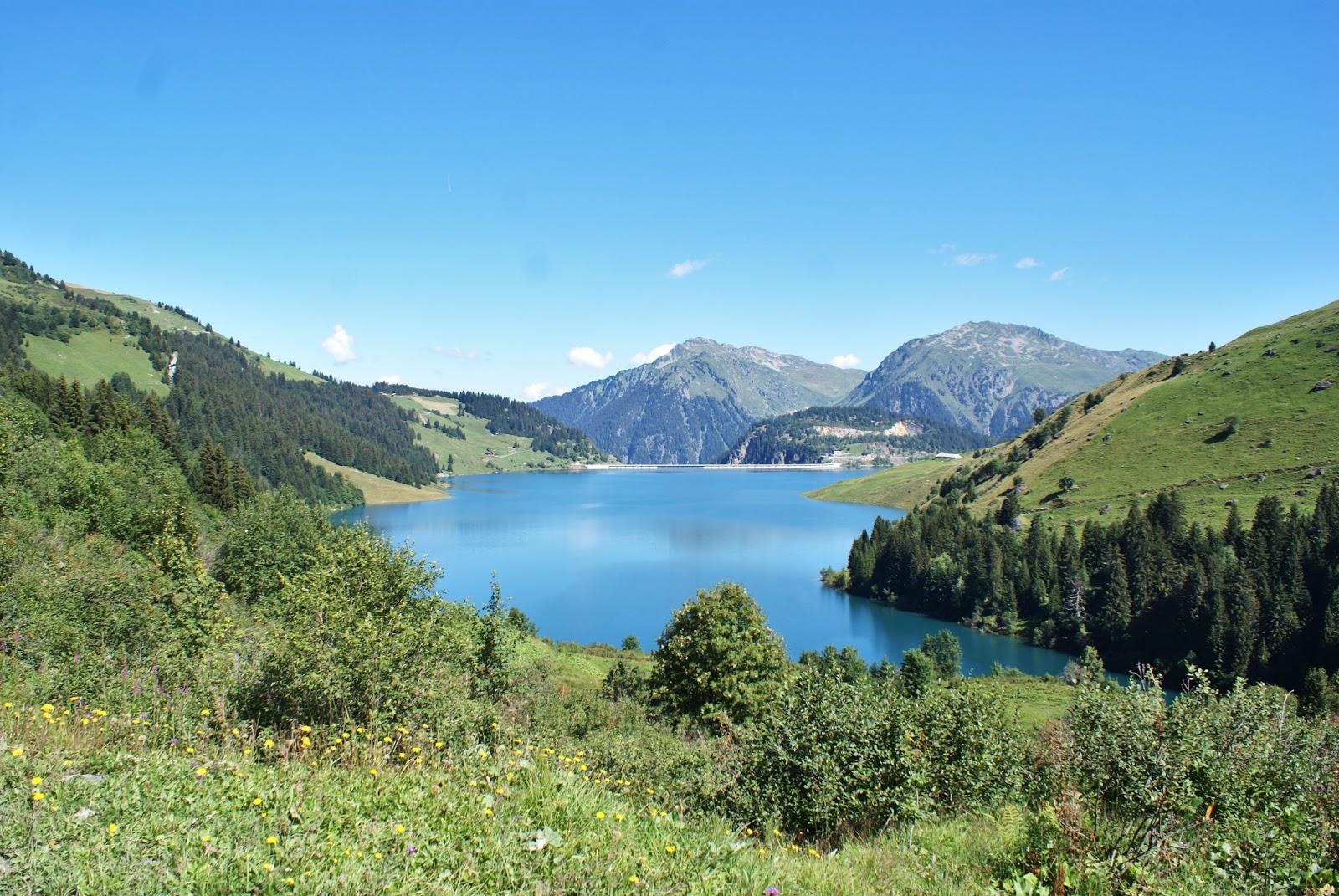 roselend beaufortain alpes montagne savoie france randonnée