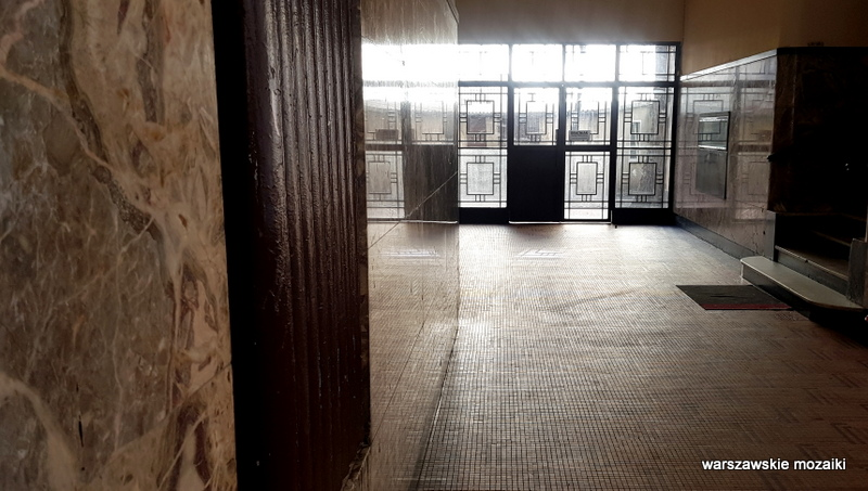 Warszawa Warsaw warszawskie ulice Wkamienica Juliana Glassa Jerzy Gelbard Roman Sigalin architektura wykusze marmur lata 30 przedwojenna kamienica klatka schodowa