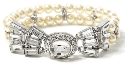 Banana Republic's stretch bracelet. Via Diamonds in the Library.