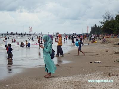 fasilitas pantai asmara