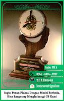 papan nama kayu, perlengkapan wisuda, piala jakarta