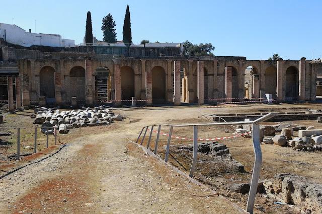 Ruinas del teatro romano de Itálica