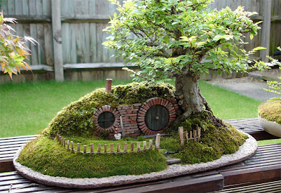 Bonsai y casa de enanos