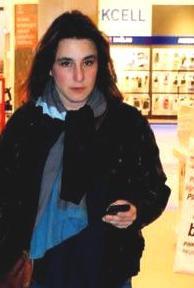Profil Esra Dermancioglu Pemeran Mukaddes
