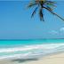 9 Benda Yang Harus Dibawa Saat Travelling Berwisata Ke Pantai