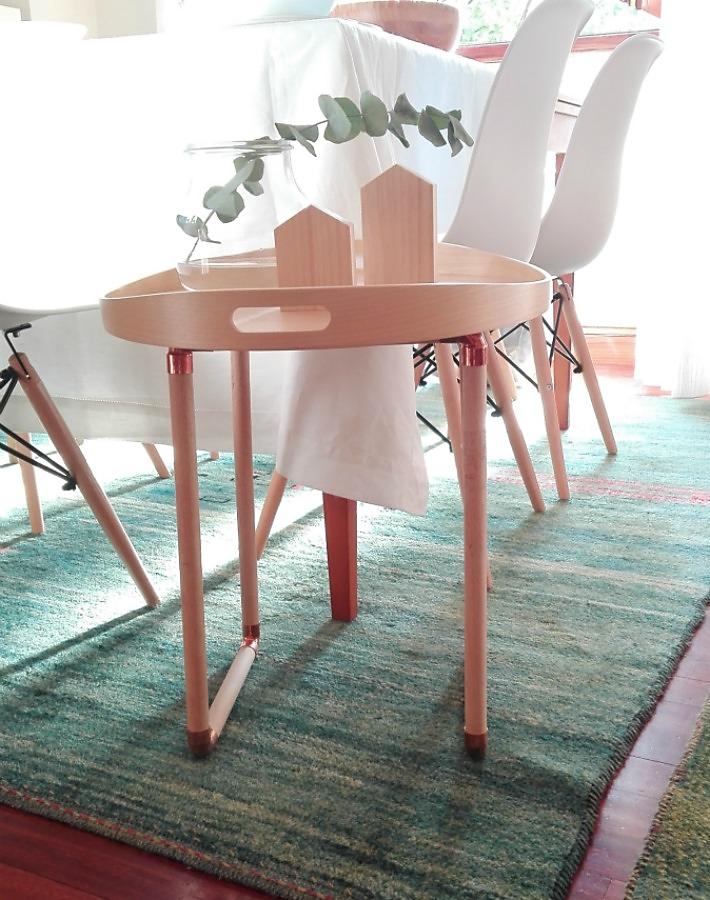 IKEAHACK bandeja convertida en mesa ayudaadecorar.blogspot.com.es/