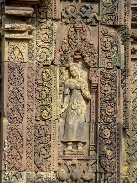 Banteay Srei, devata - Angkor, Camboya por El Guisante Verde Project