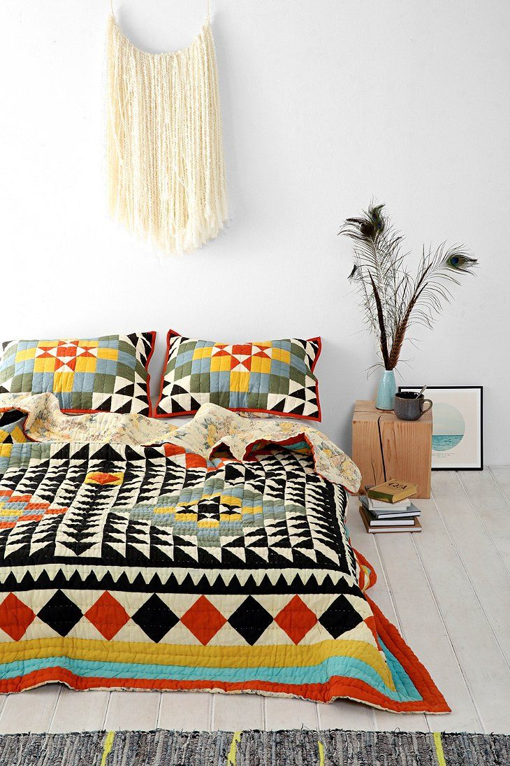 moon to moon kaleidoscope quilt from urban outfitters. Black Bedroom Furniture Sets. Home Design Ideas