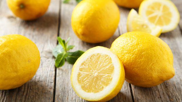 10 Manfaat Buah Lemon untuk Berbagai Keperluan