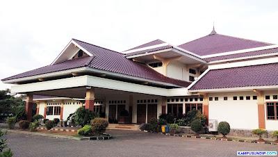 Gedung Soedarto SH Undip