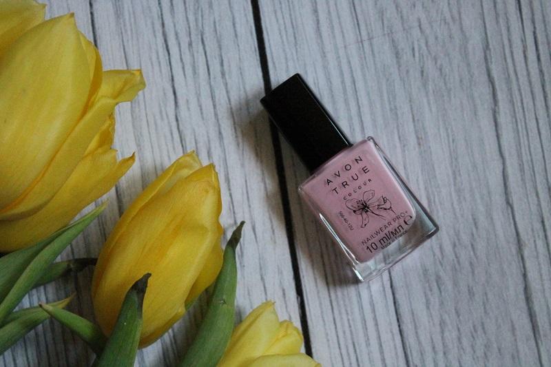 Avon True Colour lakier do paznokci Blossoming Utopia