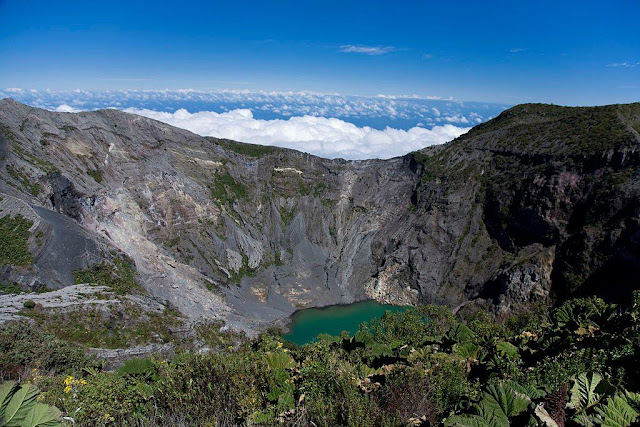 15 Amazing Volcanic Craters, Calderas & Crater Lakes of the World