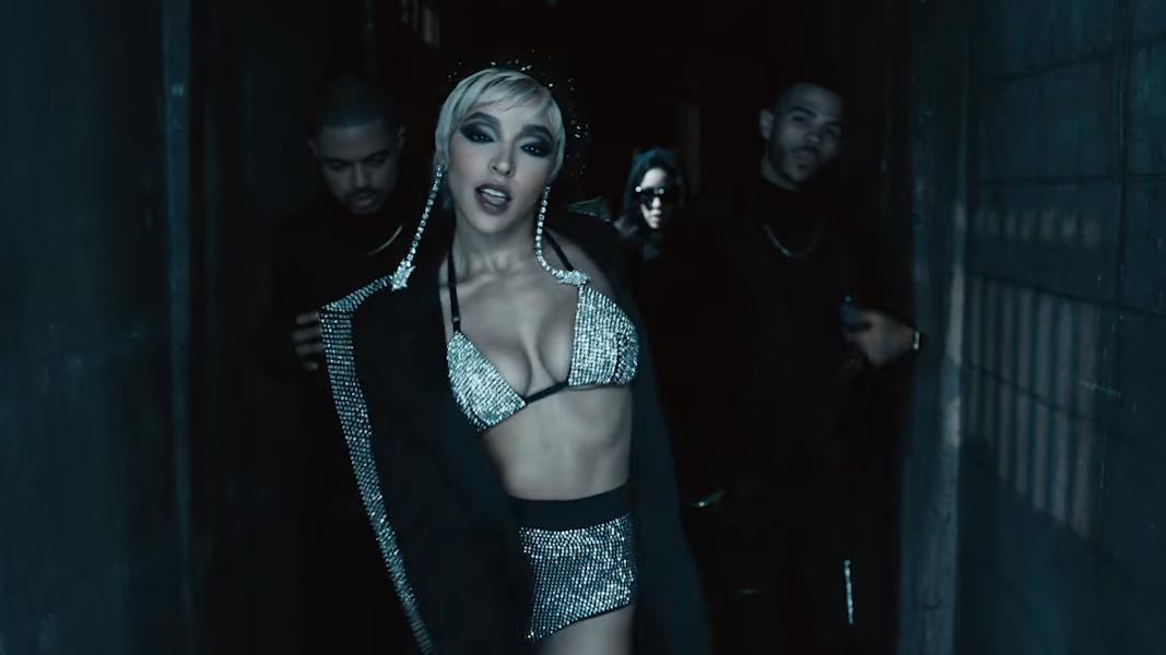 Tinashe tá com sangue nos olhos e muita vontade de fazer acontecer.