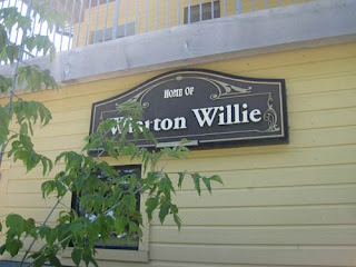 Wiarton WIllie's Home.