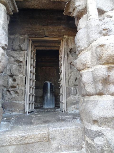 Shiva Shrine Shore temple - UNESCO   World Heritage Site - Mahabalipuram India - Pick, Pack, Go