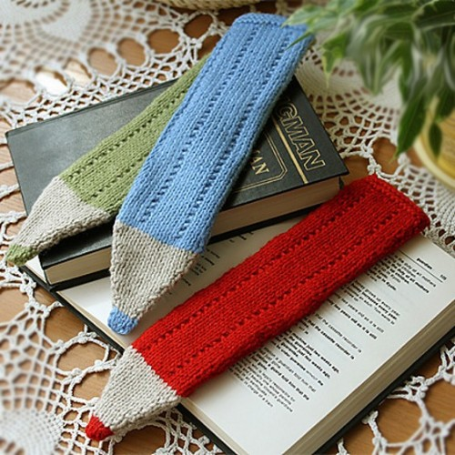 Crayon Bookmark - Free Pattern