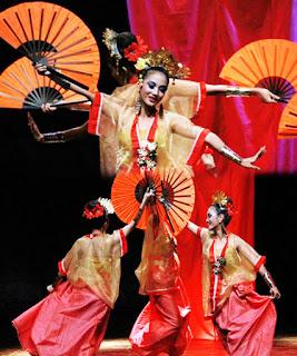 Keunikan-Sejarah-Gerakan-Tari-Kipas-Pakarena-Tarian-Tradisional-daerah-Gowa-Sulawesi-Selatan