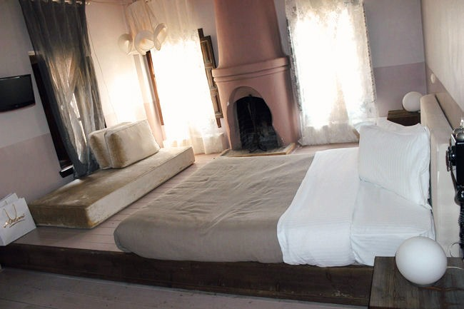 Pyrgos Mantania hotel room