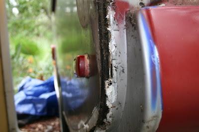 Infiltration d'eau Soyez vigilant !!! Faite vos inspections rigoureusement Water+Damage+Back+Left