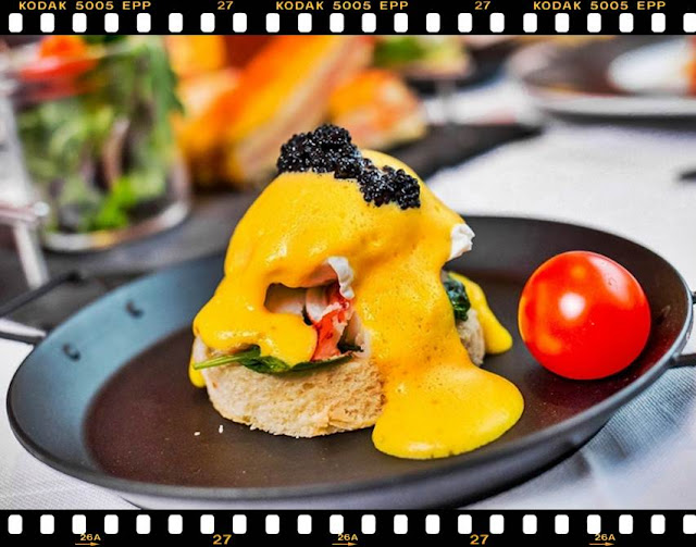 Brunch Hilton pareri concept meniu bottomless brunch