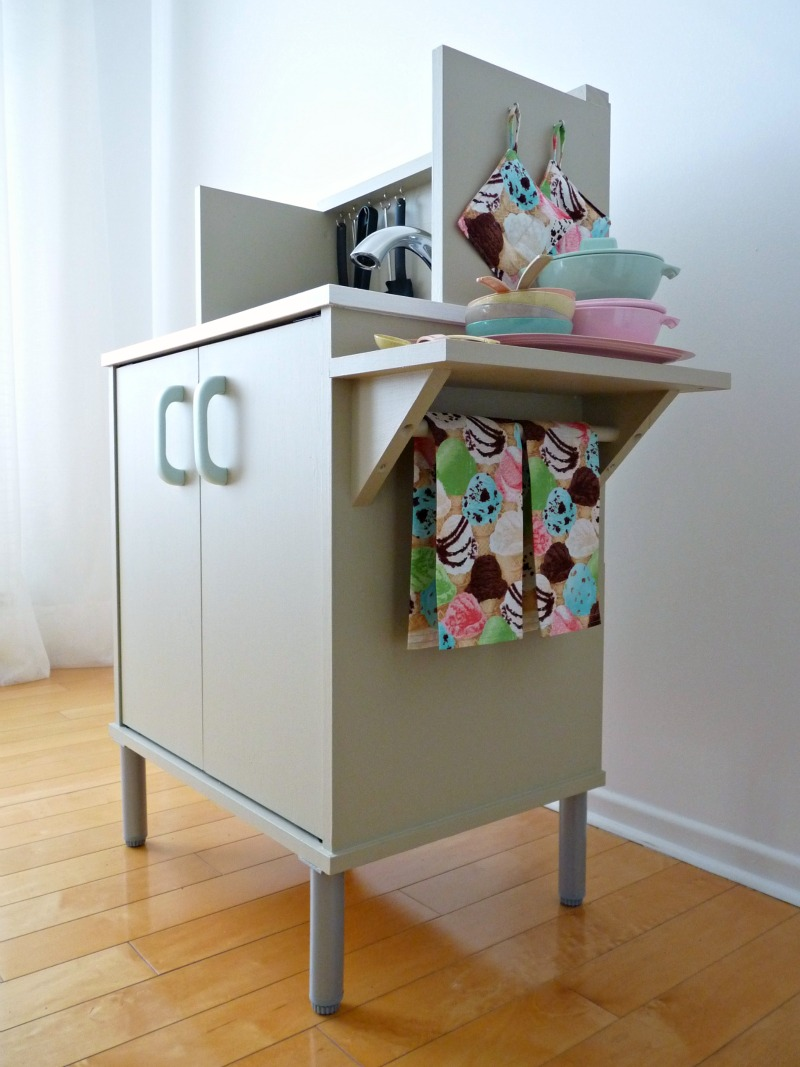 DIY Play Kitchen before and after  DIY Show Off   DIY