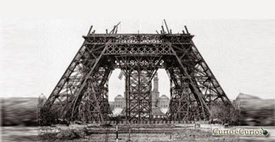 monumentos históricos em construção