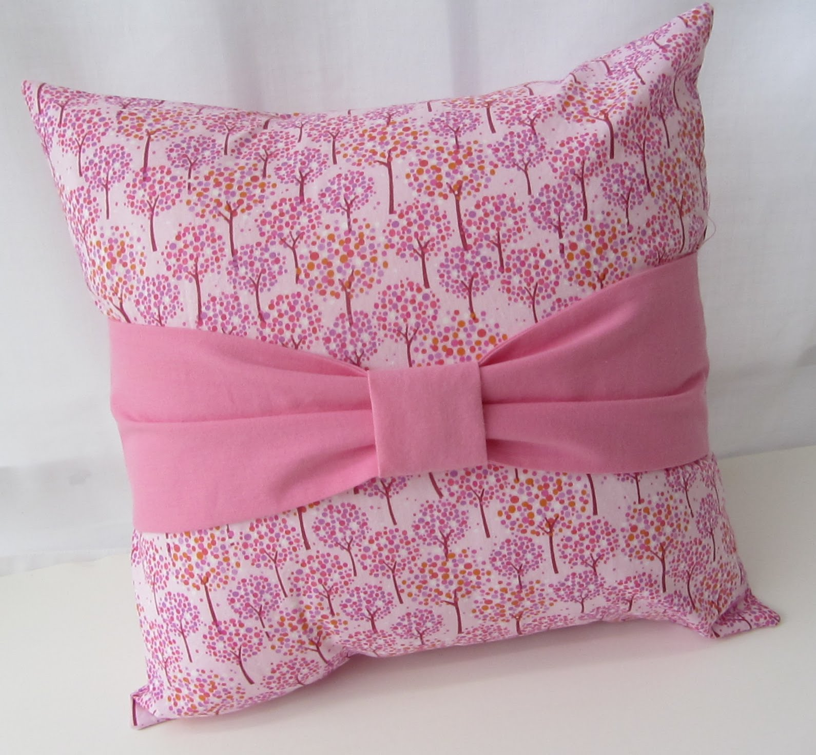 Making More with Less Tutorial Bow Pillow