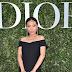Bao Bao Wan posa para fotos no lançamento da exibição 'Christian Dior, couturier du rêve' comemorando 70 anos de criação, em Paris, França – 03/07/2017