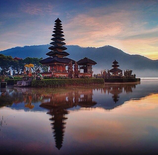 Danau Beratan Yang Termasuk 20 Danau Tercantik Di Dunia