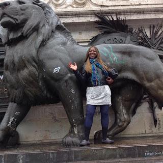 Madeleine Scherb à la Place de la République