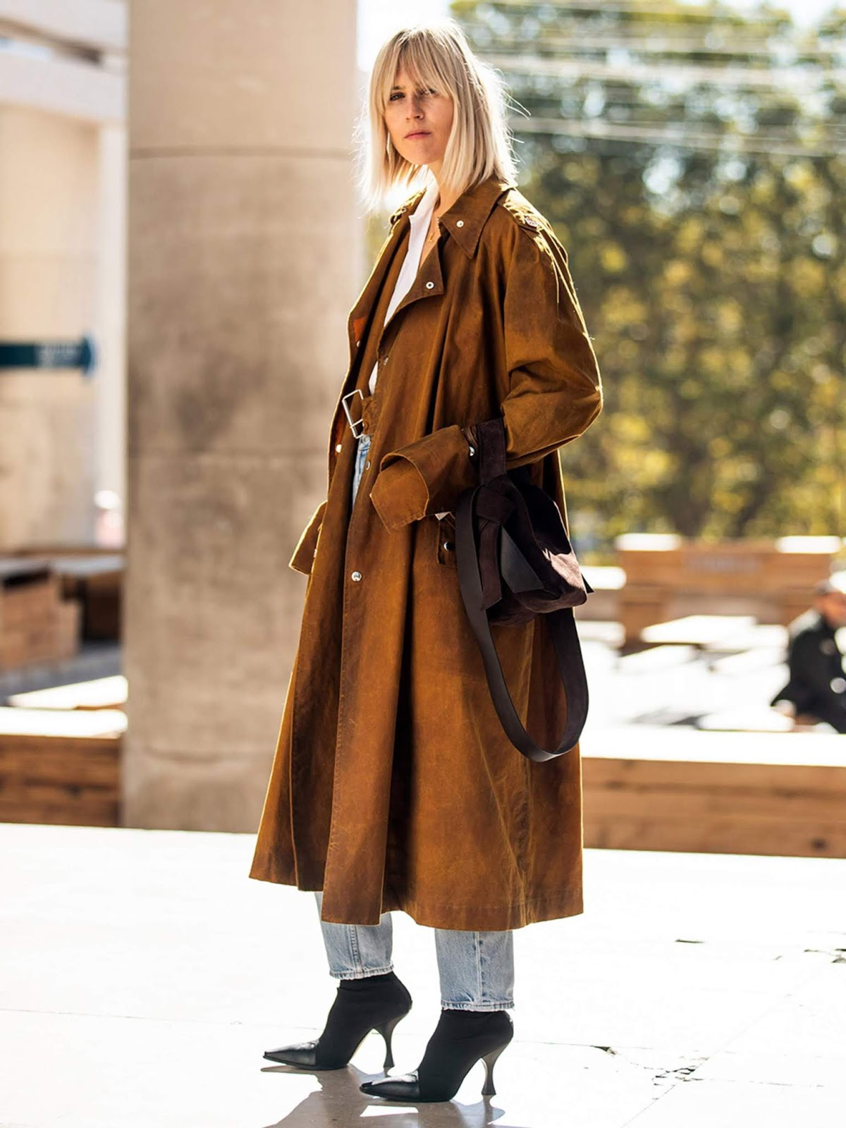 25 Next-Level Trench Coats for Fall and Beyond — Linda Tol Street Style