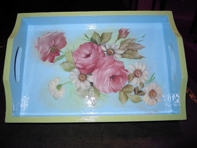 vassoio-in-legno-con-decoupage-di-rose