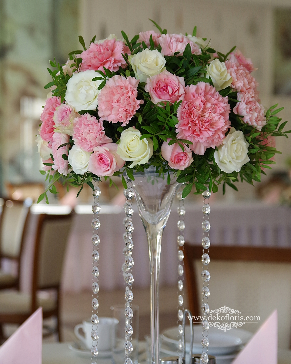 Różowa dekoracja sali weselnej w Dworek Komorno opolskie