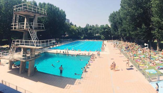 Ail madrid escuela de espa ol las mejores piscinas en for Piscina ciudad universitaria