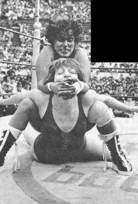 Vicki Williams vs Pantera Surena - luchadora mexicana