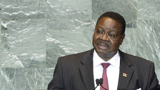 [Gbese re o] Malawi president comes for T.B Joshua, calls him a liar and a fake