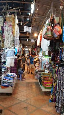 Puestos de souvenirs en los mercados de Siem Reap