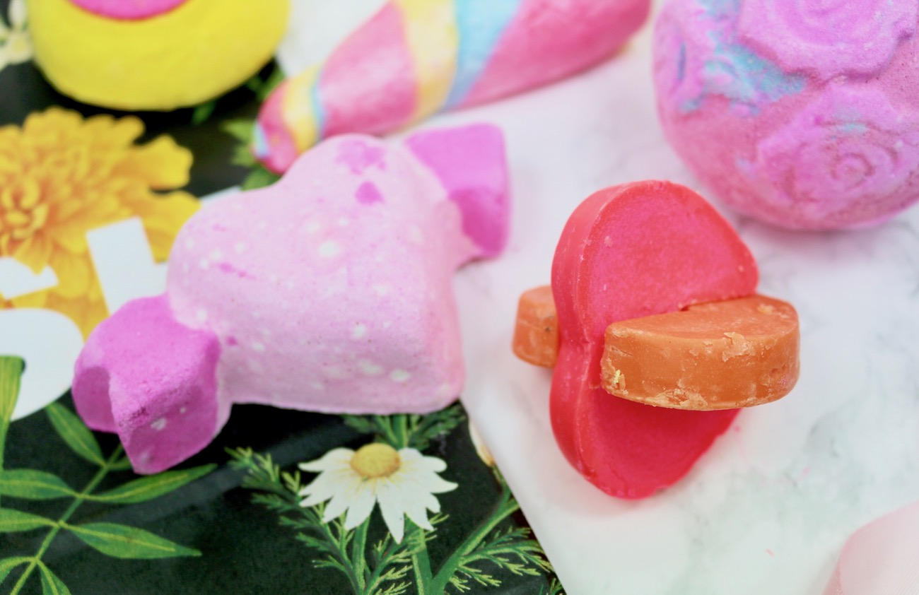 LUSH Valentine's Haul 2017 Cupid Bath Bomb and Two Hearts As One Bath Melt.