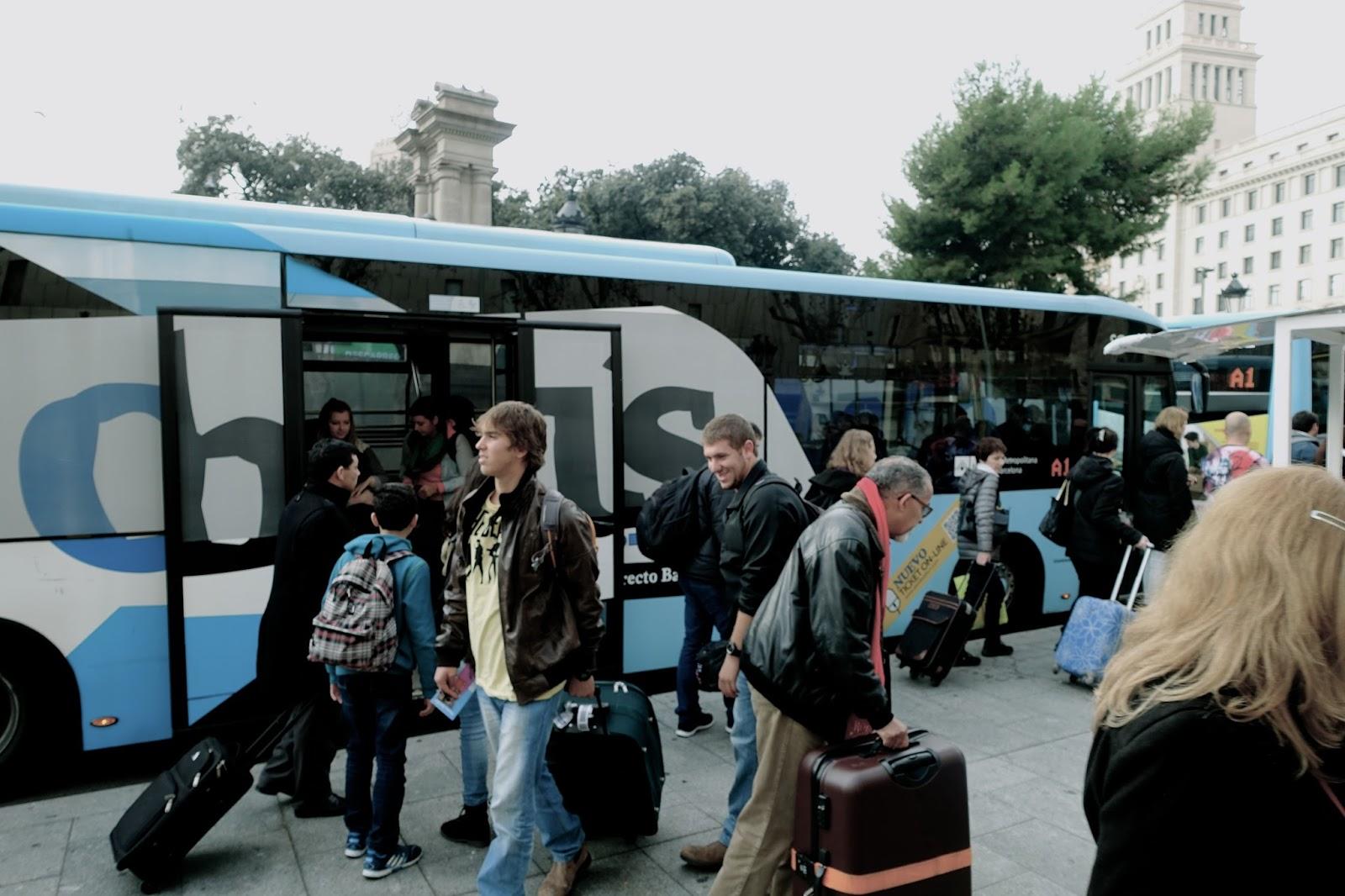 カタルーニャ広場の「Aeurobus」バス停