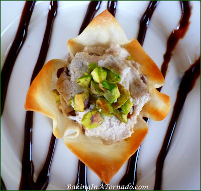 Cannoli Wontons, all the delicious flavors of a cannoli in an oven baked, sugared wonton shell. | Recipe developed by www.BakingInATornado.com | #recipe #dessert