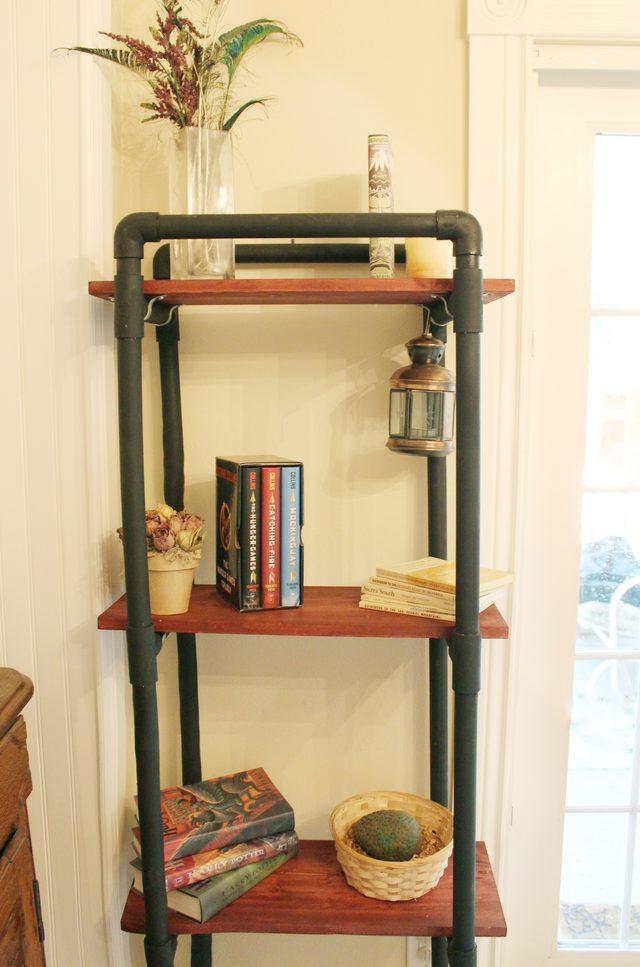 diy 5 projets simplissimes avec des tuyaux pvc initiales gg. Black Bedroom Furniture Sets. Home Design Ideas