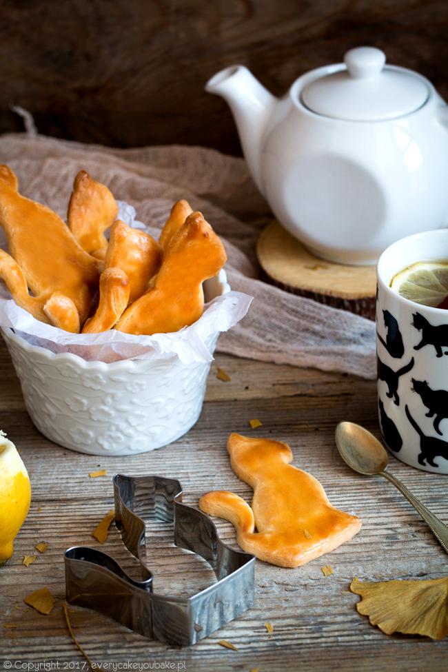 francuskie ciastka piaskowe koty