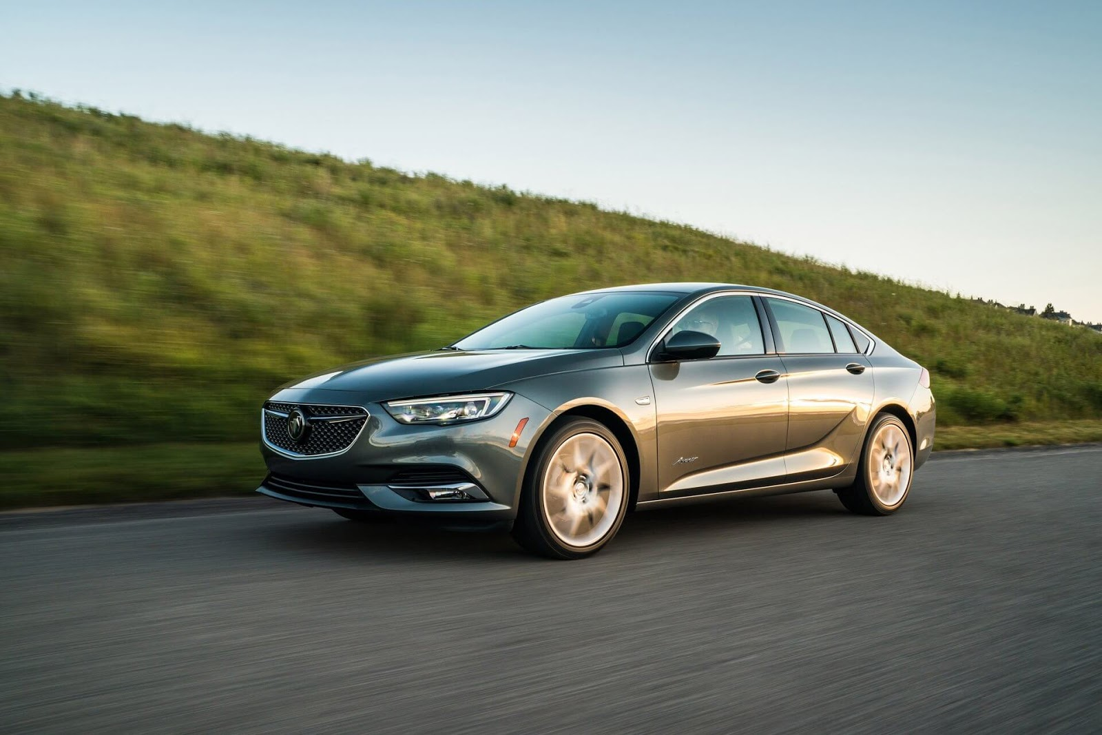 Buick Regal Avenir 2019 Comes In At A handsomely $36,195