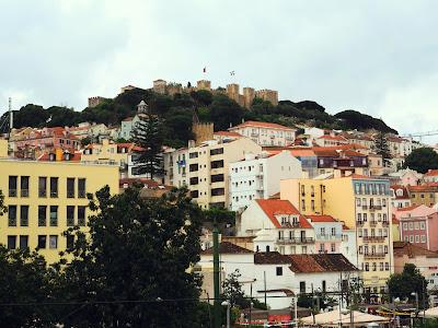 Castelo Sao Jorge over Portuguese buildings