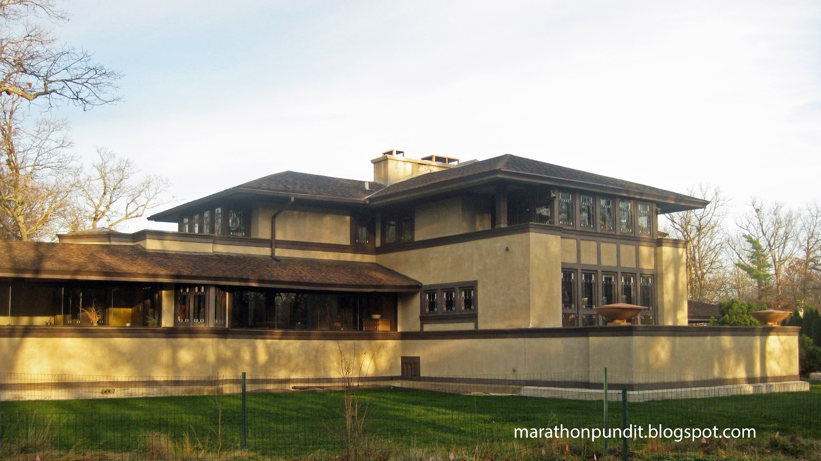 ward willits house One of the best residential examples from frank lloyd wright's prairie period, an early modernist masterpiece.