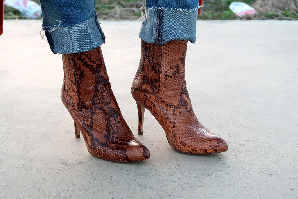mango-orange-boots